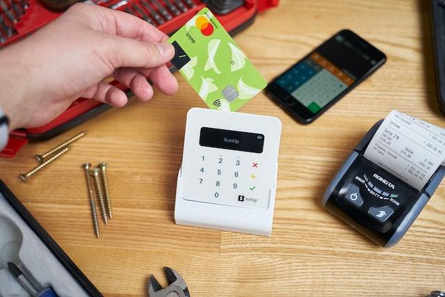 【キャッシングが怖い人向け】クレジットカードのキャッシングとは?お得になるパターンは?
